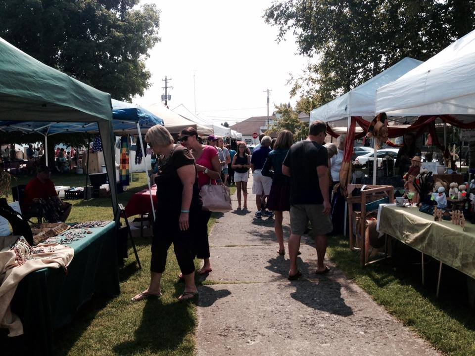 Sunday Farm Market Vendors Photo